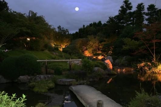 お月見庭園